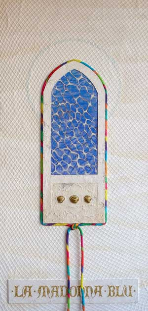 Wonderingmind Studio: Miriam Louisa Simons, la madonna blu